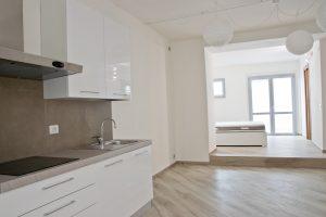 Monolocale con corte esclusiva in affitto, cucina