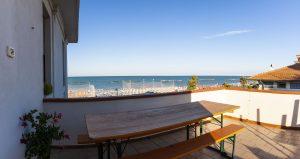 Esclusivo appartamento a Porto San Giorgio, terrazzo fronte mare