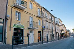 L'Agenzia Immobiliare Puzielli proponeBilocale di recente costruzione in vendita in Via Murri