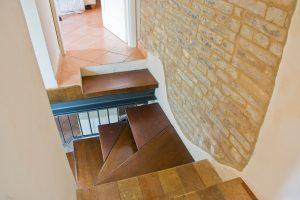L'Agenzia Immobiliare Puzielli propone casa in vendita nel centro storico di Fermo