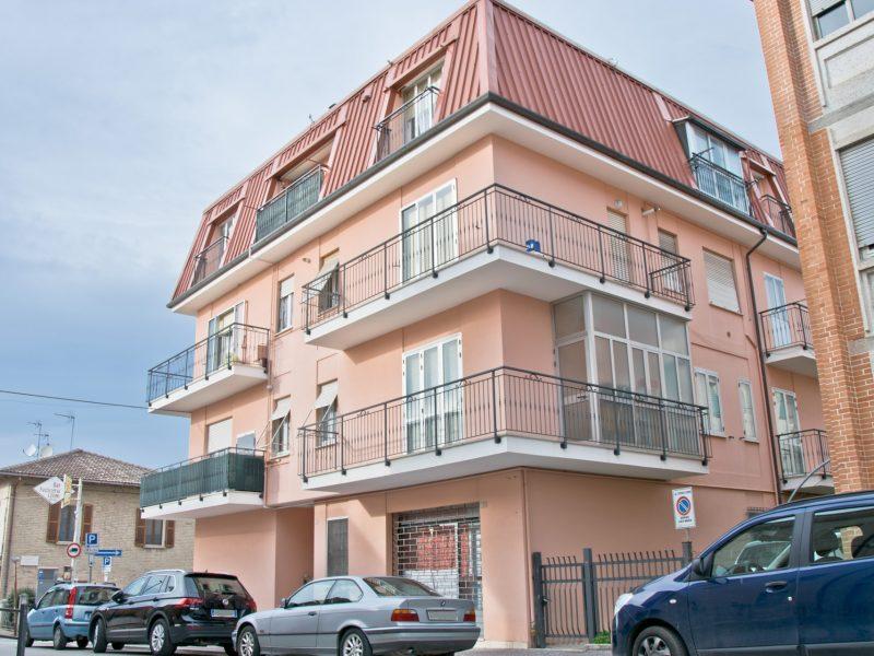 L'Agenzia Immobiliare Puzielli propone appartamento in vendita a Fermo in Via Augusto Murri