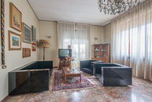 Casa singola da ristrutturare in Via Puccini a Fermo (1)