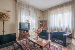 Casa singola da ristrutturare in Via Puccini a Fermo (2)
