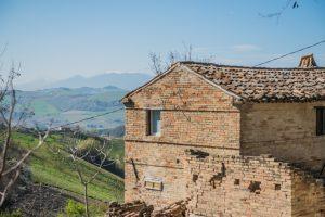 Casa colonica da ristrutturare in vendita a Montefiore dell'Aso