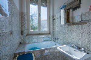 L'Agenzia Immobiliare Puzielli propone casa singola in vendita in Contrada Salette a Fermo