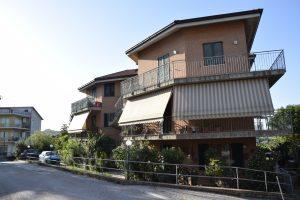 Appartamento con garage in vendita a Fermo in zona Santa Caterina