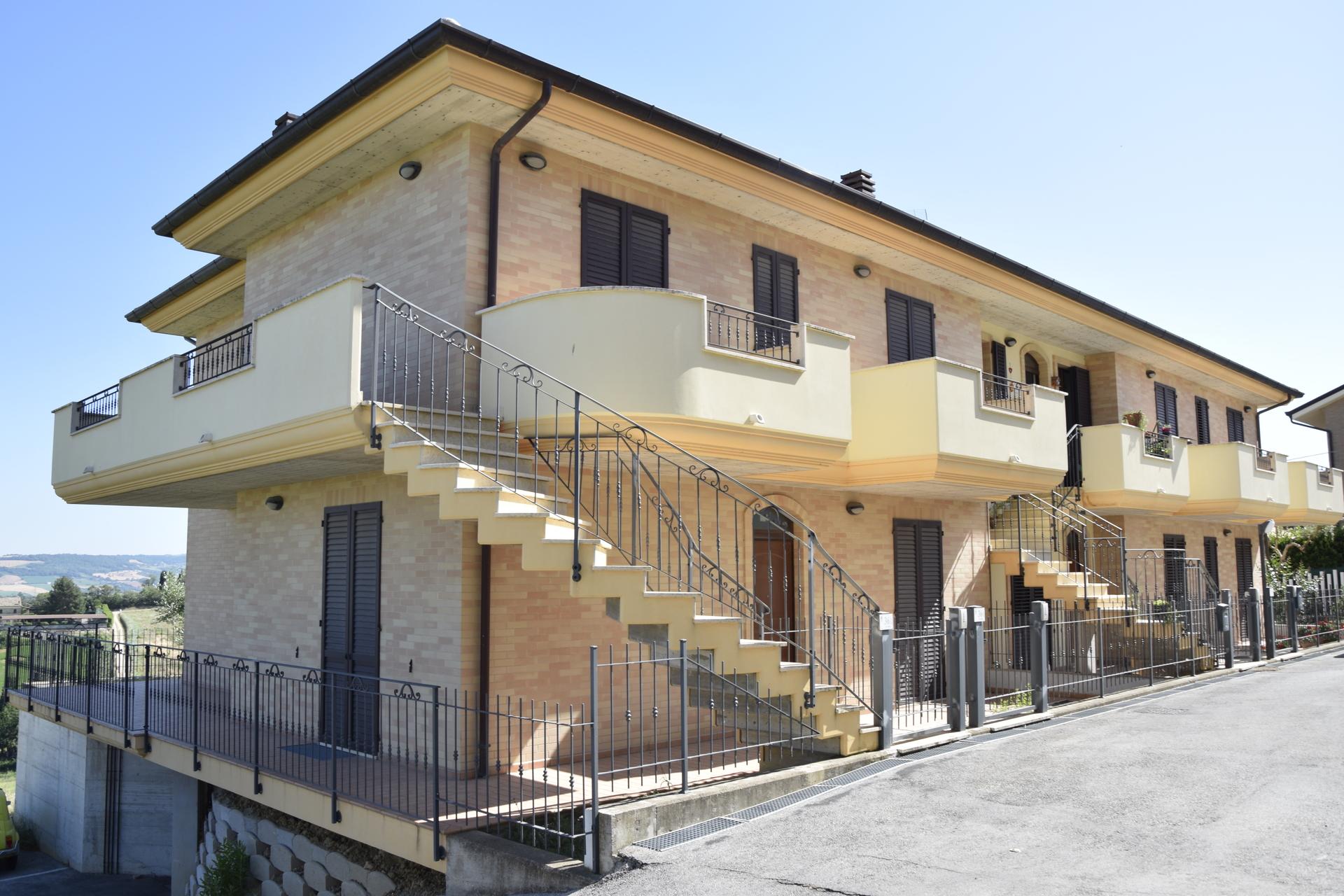 Agenzie Immobiliari Trento Città appartamento di nuova costruzione con giardino a fermo