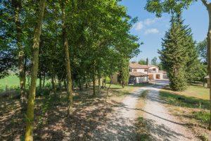 Casale finemente ristrutturato in vendita a Fermo nelle Marche