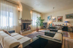 Prestigioso appartamento nel centro storico con terrazzo e garage