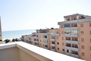 Bilocale con terrazzo in vendita a Lido Tre Archi