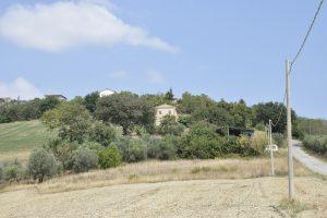 L'Agenzia Immobiliare Puzielli propone antico e prestigioso palazzo di campagna in vendita a Fermo