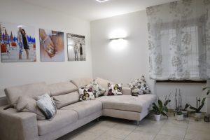 L'Agenzia Immobiliare Puzielli propone appartamento con garage e corte esterna in vendita a Fermo