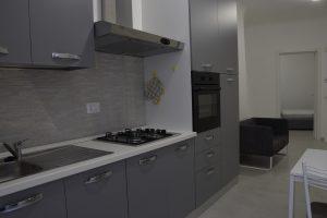 L'Agenzia Immobiliare Puzielli propone appartamento su due livelli in vendita nel centro storico