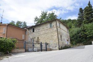 Casa da ristrutturare in vendita nelle Marche
