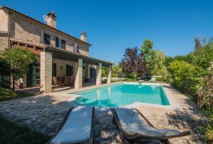 Casale con piscina in vendita a Fermo nelle Marche
