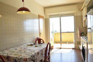L'Agenzia Immobiliare Puzielli propone appartamento con quattro camere in vendita a Fermo