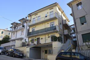 Appartamento con garage e corte esterna in vendita a Fermo