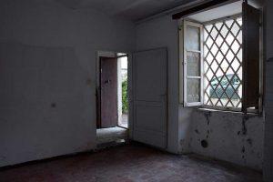 L'Agenzia Immobiliare Puzielli propone casa con corte in vendita a Fermo in zona Santa Caterina