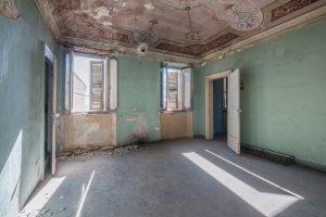 Casa da ristrutturare con giardino nel centro storico di Fermo