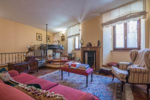 Palazzo ristrutturato in vendita nel centro storico di Fermo