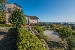 Villa con vista mare in vendita a Marina di Altidona nelle Marche