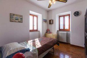 Casale ristrutturato con terreno in vendita a Massignano (11)