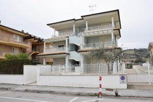 Appartamento con terrazzo vista mare in affitto a Lido di Fermo