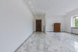 L'Agenzia Immobiliare Puzielli,proponeappartamento completamente ristrutturato in vendita a Fermo (5)