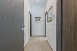 esclusivo appartamento su due piani con ascensore privato e terrazzo (4)