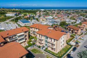 L'Agenzia Immobiliare Puzielliproponeappartamento con stupenda vista mare in vendita a Porto San Giorgio (1)