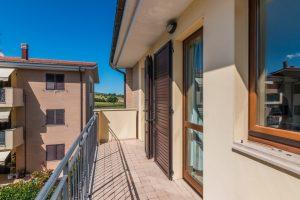 L'Agenzia Immobiliare Puzielliproponeappartamento con stupenda vista mare in vendita a Porto San Giorgio (10)
