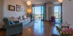 L'Agenzia Immobiliare Puzielliproponeappartamento con stupenda vista mare in vendita a Porto San Giorgio (2)