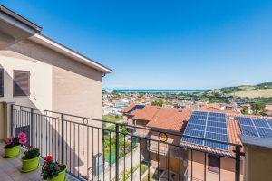 L'Agenzia Immobiliare Puzielliproponeappartamento con stupenda vista mare in vendita a Porto San Giorgio (8)