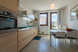 L'Agenzia Immobiliare Puzielliproponeappartamento con stupenda vista mare in vendita a Porto San Giorgio (9)