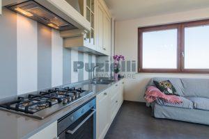 L'Agenzia Immobiliare Puzielli, proponeappartamento di nuova costruzione con vista mare e garage (12)