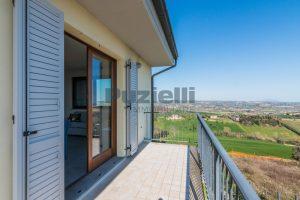 L'Agenzia Immobiliare Puzielli, proponeappartamento di nuova costruzione con vista mare e garage (22)