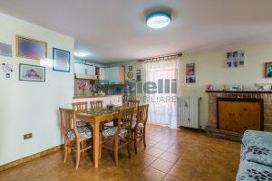 L'Agenzia Immobiliare Puzielli, proponecasa in vendita nel centro storico di Fermo (1)