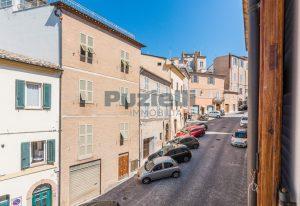 L'Agenzia Immobiliare Puzielli, proponecasa in vendita nel centro storico di Fermo (20)