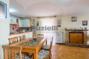 L'Agenzia Immobiliare Puzielli, proponecasa in vendita nel centro storico di Fermo (5)