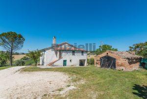 L'Agenzia Immobiliare Puzielliproponecasa singola con vista panoramica in vendita a Montegranaro (12)