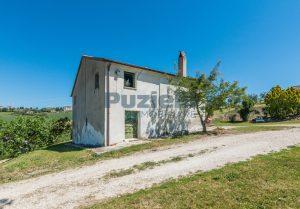 L'Agenzia Immobiliare Puzielliproponecasa singola con vista panoramica in vendita a Montegranaro (18)