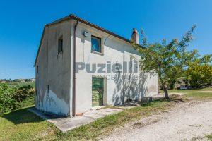 L'Agenzia Immobiliare Puzielliproponecasa singola con vista panoramica in vendita a Montegranaro (19)