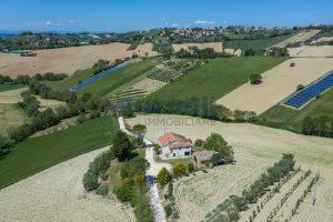 L'Agenzia Immobiliare Puzielliproponecasa singola con vista panoramica in vendita a Montegranaro (4)