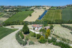 L'Agenzia Immobiliare Puzielliproponecasa singola con vista panoramica in vendita a Montegranaro (5)