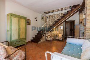 L'Agenzia Immobiliare Puzielliproponecasale con piscina in vendita a Montefiore dell'Aso (11)