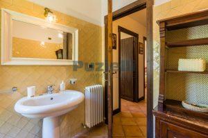 L'Agenzia Immobiliare Puzielliproponecasale con piscina in vendita a Montefiore dell'Aso (27)