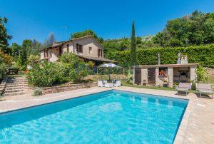 L'Agenzia Immobiliare Puzielliproponecasale con piscina in vendita a Montefiore dell'Aso (41)