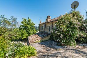 L'Agenzia Immobiliare Puzielliproponeprestigioso casale ristrutturato in vendita a Ripatransone (15)