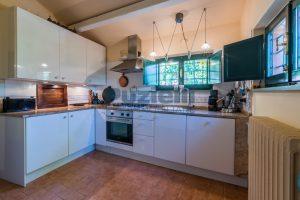 L'Agenzia Immobiliare Puzielliproponeprestigioso casale ristrutturato in vendita a Ripatransone (25)