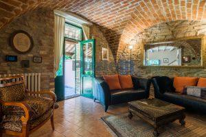 L'Agenzia Immobiliare Puzielliproponeprestigioso casale ristrutturato in vendita a Ripatransone (35)
